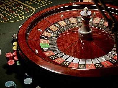 roulette-wheel-casino-chips-gambling